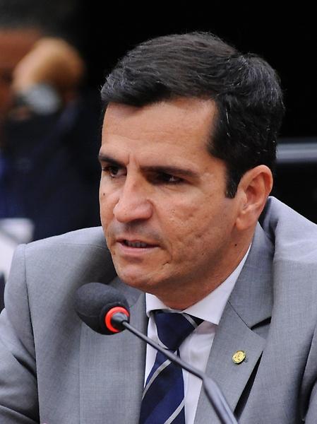 Reunião para votação do relatório final, apresentado pelo dep. José Rocha (PR-BA). Dep. Givaldo Vieira (PT-ES)