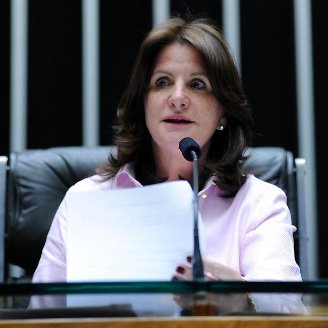 Sessão Solene em Homenagem aos Noventa Anos da Associação Brasileira de Enfermagem. Dep. Carmen Zanotto (PPS-SC)
