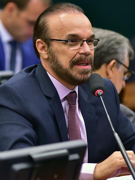Audiência pública para debater o tema. Dep. Lincoln Portela (PRB - MG)