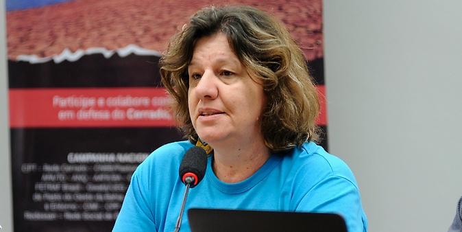 Audiência pública sobre os desdobramentos da PEC 504/2010, que reconhece os Biomas, Caatinga e Cerrado como Patrimônio Nacional, nas políticas públicas de desenvolvimento urbano e moradia popular. Representante da Coordenação da Campanha em Defesa do Cerrado, Isolete Wichinieski