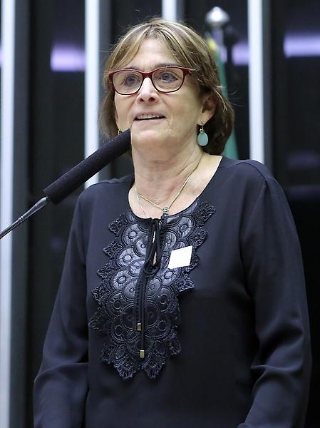 Comissão geral para debater a situação do Setor de Ciência e Tecnologia no Brasil, diante dos recentes cortes orçamentários, bem como sua relevância para o desenvolvimento do país – Marcha pela Ciência. Helena Nader, presidente da SBPC
