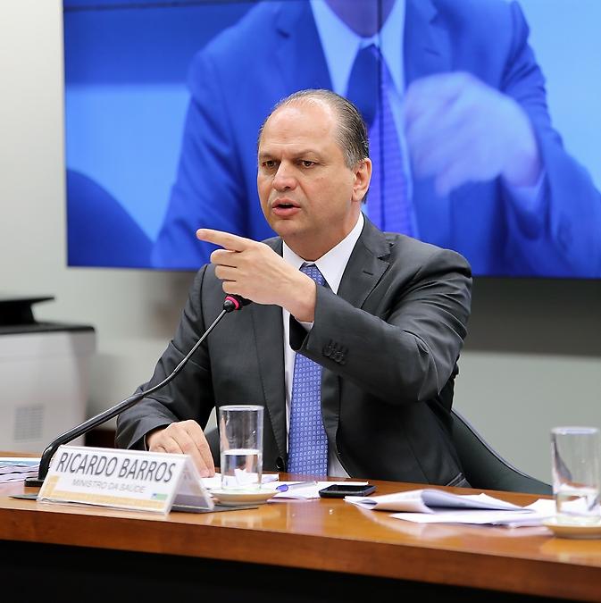 Reunião para esclarecimentos sobre a exclusão do Hospital São Paulo de recursos do Programa Nacional de Reestruturação dos Hospitais Universitários Federais (REHUF) e a situação dos Hospitais Públicos do Rio de Janeiro. Ministro da saúde, Ricardo José Magalhães Barros