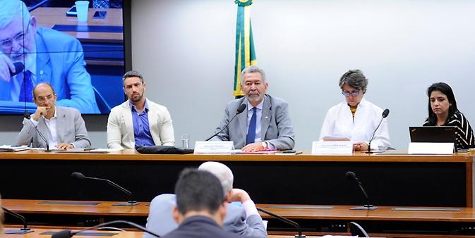 Audiência Pública para a Implementação do pacto firmado entre a CBF, clubes esportivos e a CPI - Exploração sexual de crianças e adolescentes, pela proteção das crianças e dos adolescentes.