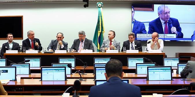Audiência pública sobre a captação irregular de água no Eixo Leste do Projeto de Integração do Rio São Francisco