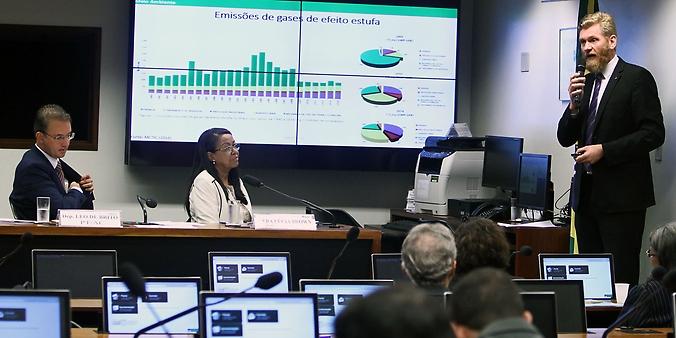 Audiência pública sobre os efeitos da variabilidade climática na Amazônia brasileira