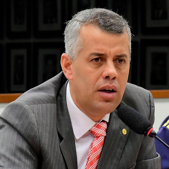 Audiência pública sobre a fiscalização de transporte de cargas minerais, agrícolas e perigosas nas rodovias brasileiras. Dep. Evair Vieira de Melo (PV - ES)