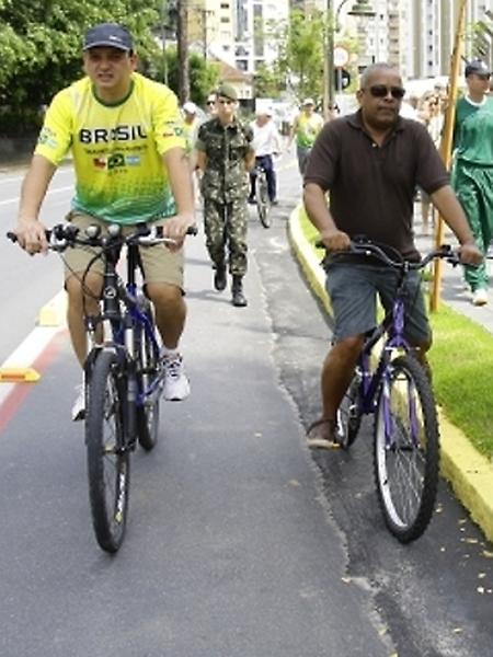 Transporte - Bicicletas - Ciclovia em Joinville