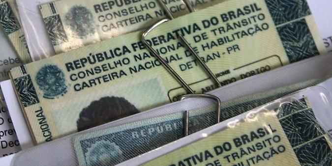 Transporte - geral - carteira de habilitação motorista cnh documento Detran