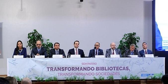 Seminário: Transformando bibliotecas, transformando sociedades