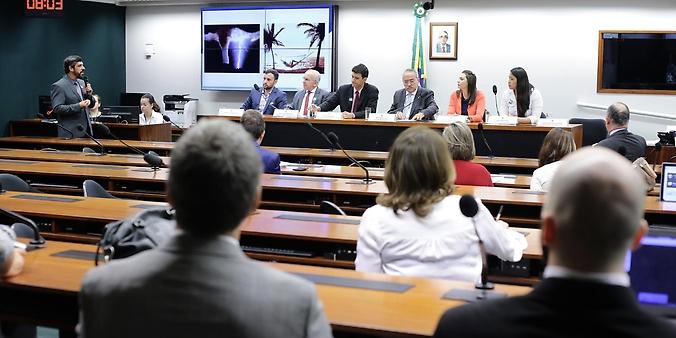 Audiência Pública sobre a PL 114/15 que regulamenta o exercício da profissão de Quiropraxista