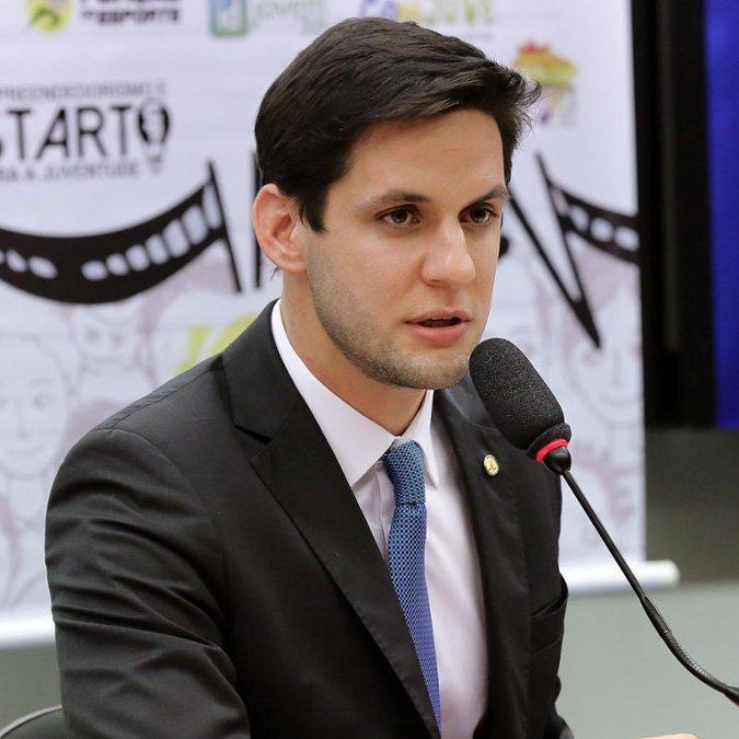 Audiência pública sobre a ampliação dos benefícios do Programa Identidade Jovem. Dep. Rafael Motta (PSB - RN)