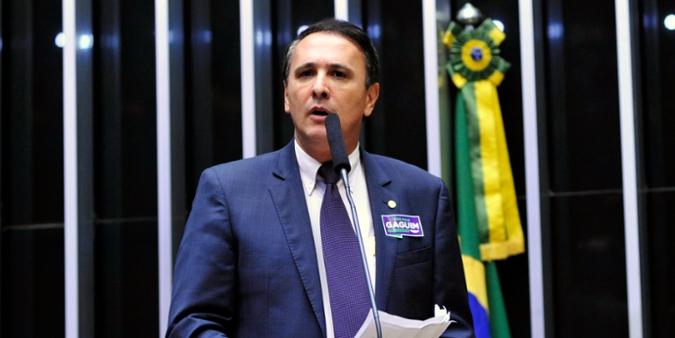 Sessão extraordinária para eleição do novo presidente da Câmara dos Deputados. Candidato a presidência, dep. Carlos Henrique Gaguim (PTN - TO)