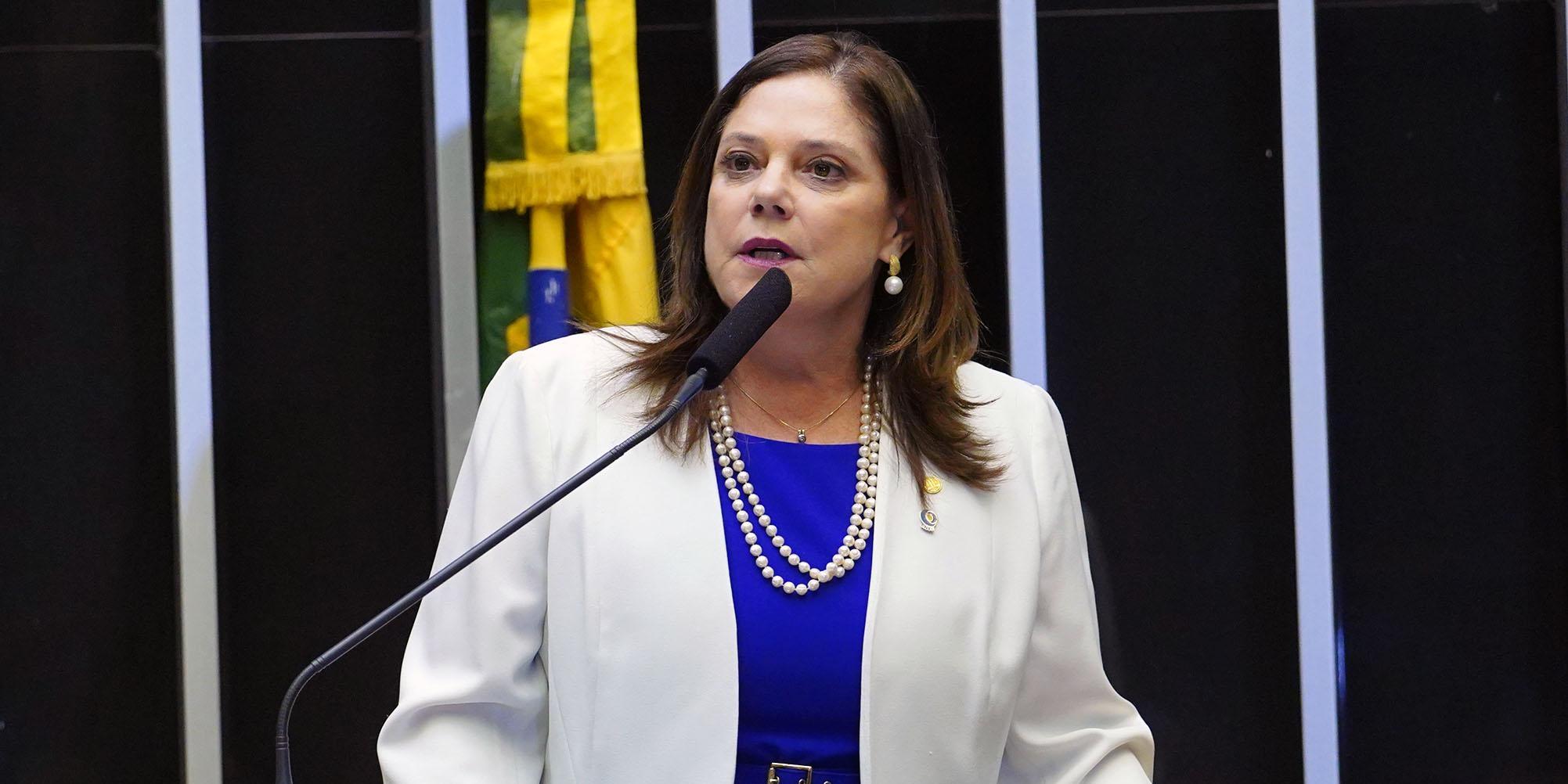 Homenagem aos 75 Anos da Campanha Nacional de Escolas da Comunidade (CNEC). Dep. Soraya Santos (PR - RJ)