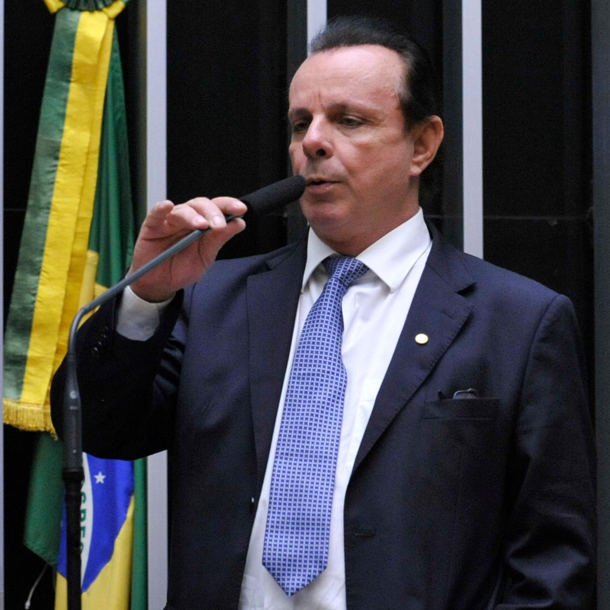 Sessão especial para discussão e votação do parecer do dep. Jovair Arantes (PTB-GO), aprovado em comissão especial, que recomenda a abertura do processo de impeachment da presidente da República - Dep. Cesar Souza (PSD-SC)