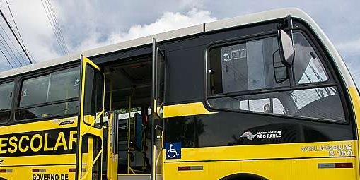 Direitos Humanos - acessibilidade em transporte escolar cadeirante