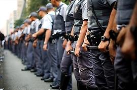 Confrontos com a polícia resultam em cinco mortos por dia no Brasil