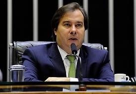 Maia: arrecadação maior vai compensar redução de tributos sobre combustíveis