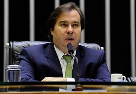 Maia critica uso das Forças Armadas e defende tributo menor para combustível
