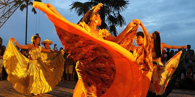 Coisas do Brasil - Pessoas dançando Carimbó - dança típica, Pará