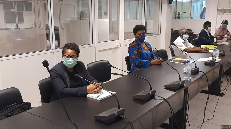Auscultação ao Sindicato dos Professores e Ministra da Educação TERCEIRA COMISSÃO APROXIMA AS PARTES EM BUSCA DE SOLUÇÕES