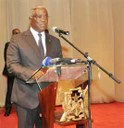 Chefe de Estado dirige-se pessoalmente ao Parlamento pela 1ª vez