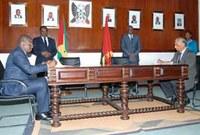 Cooperação parlamentar entre Angola e STP reforça-se