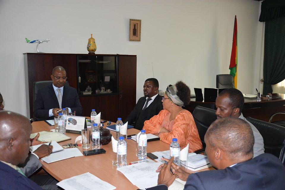 Presidente da Assembleia Reune com os Presidentes das Comissões Especializadas da Assembleia Nacional