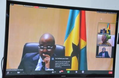 O PRESIDENTE DA ASSEMBLEIA NACIONAL DEFENDE UMA ÁFRICA UNIDA NA LUTA CONTRA A COVID-19