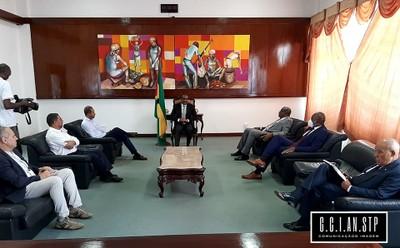 O Presidente da Assembleia Nacional, Delfim Santiago das Neves, recebeu em audiência na passada terça-feira, o Presidente da Associação de Turismo, Hamilton Cruz